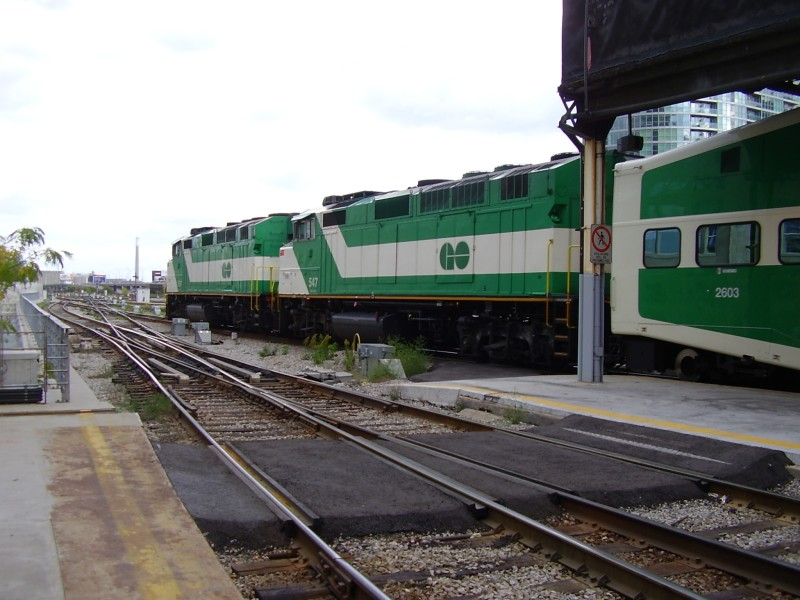 how to go to oshawa from union station